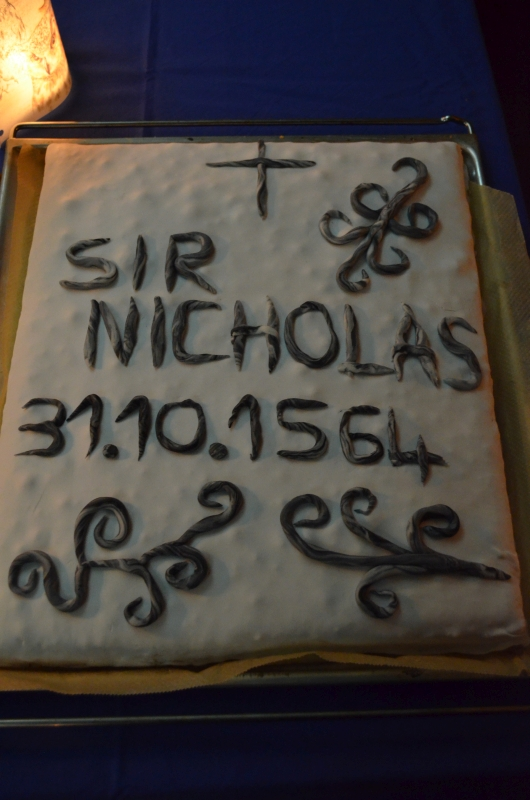 Todestags-Torte zu Ehren des Kopflosen Nick