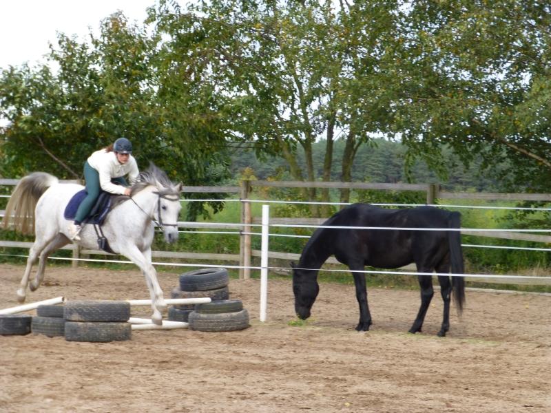 Jumping: Vivien and Zayana